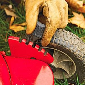 Fall Maintenance Tips - Adjust Mower Height