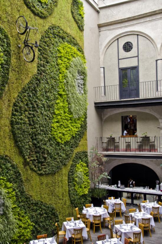Sculptural Elements In Landscape And Garden Design