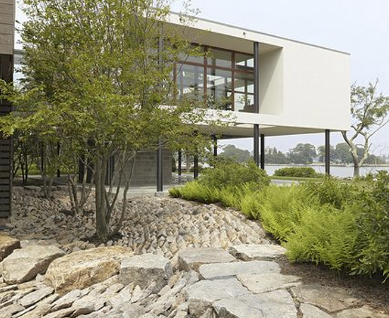 Modern vs contemporary architecture and landscape for Modern landscape architecture