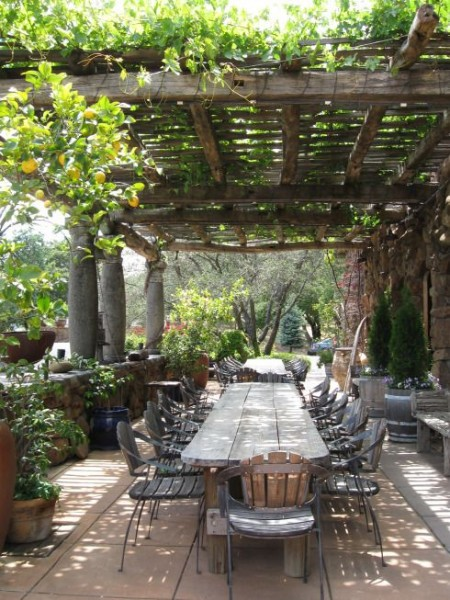 italian pergola - outdoor dining