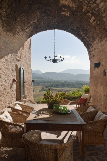 10. Outdoor dining with view of Tuscany