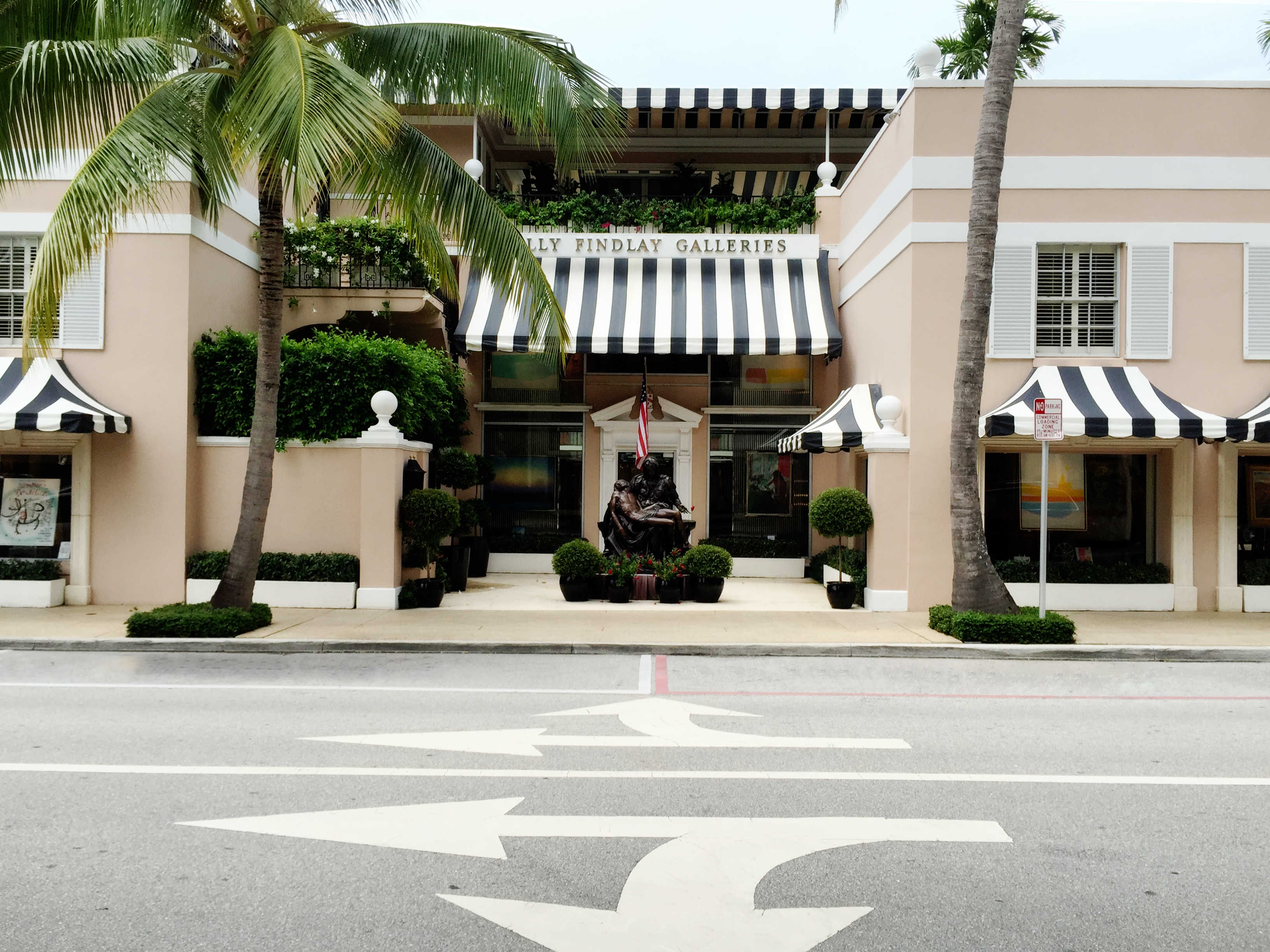 blk / white awning - worth ave - palm beach, fl - landscape design