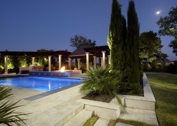 Traditional Neoclassic Landscape Design - Dallas, Texas