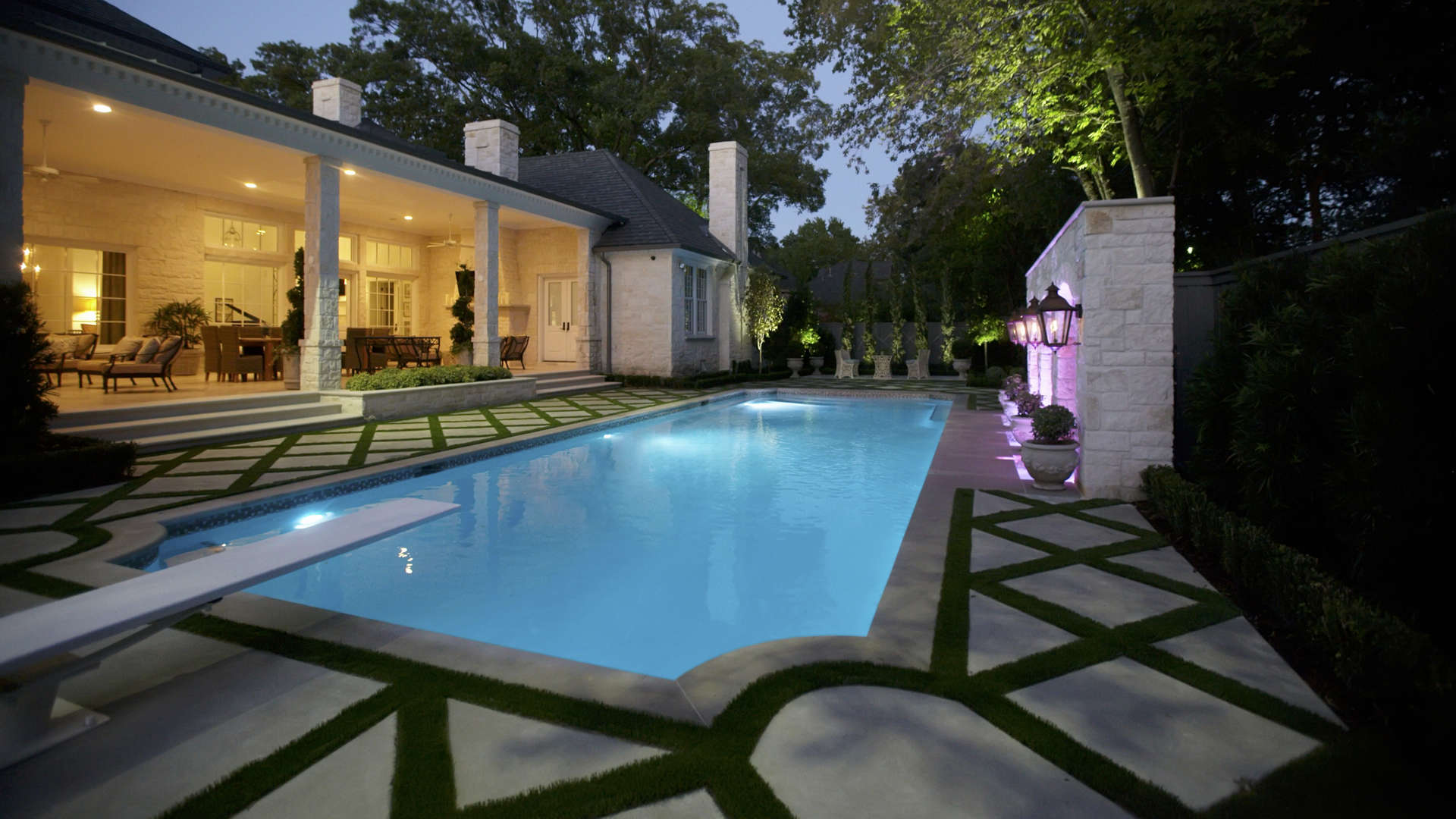 Parisian influenced landscape design dallas tx for Garden design landscaping dallas tx