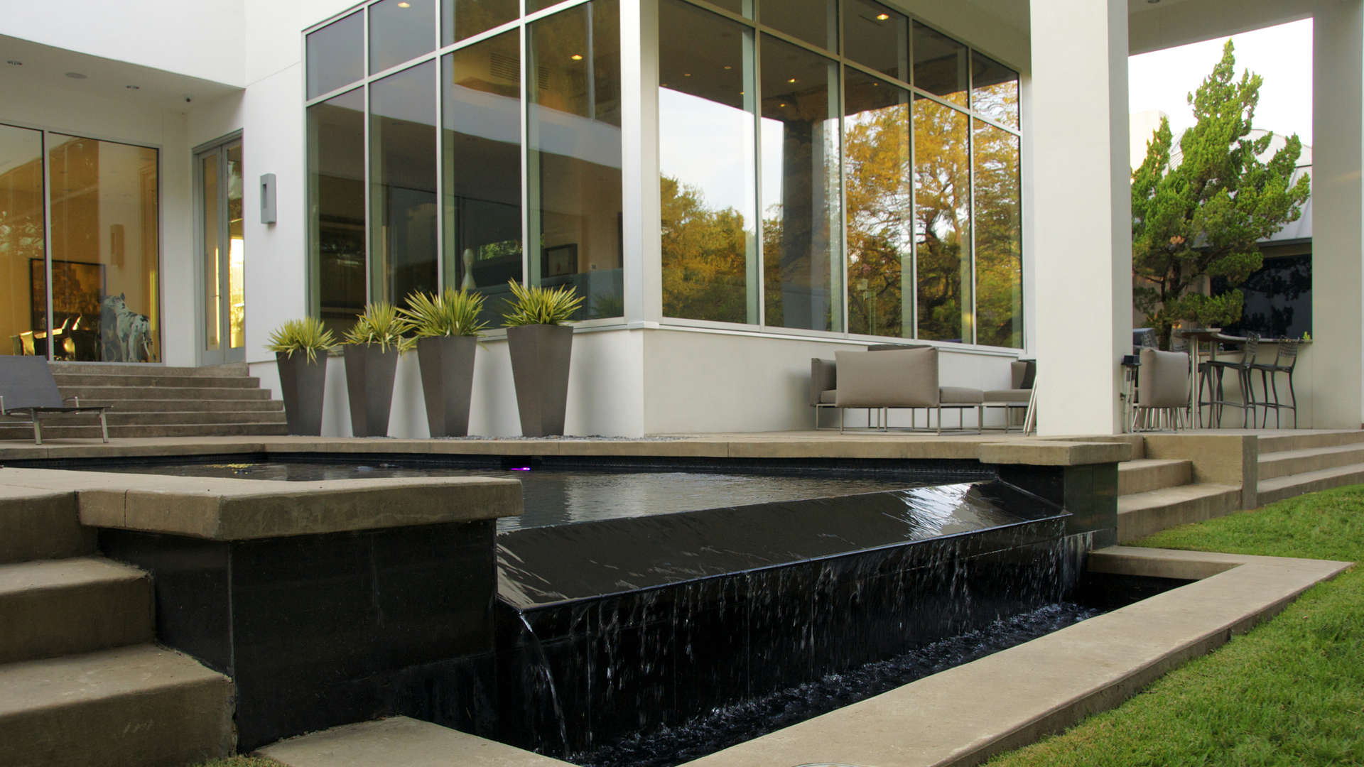 Sophisticated contemporary landscape design dallas tx for Garden design landscaping dallas tx