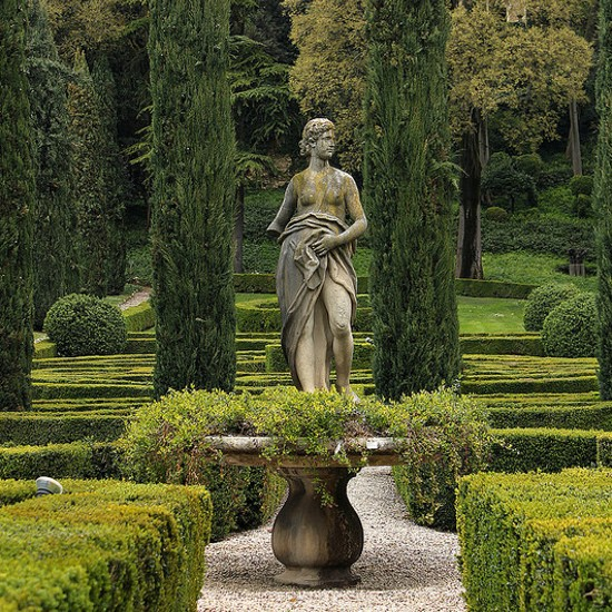 Statue at the entrance of the Garden at Palazzo Giusti