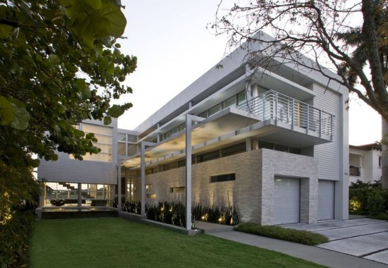 House and landscape design by KZ Architecture